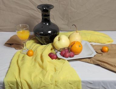 小色稿步骤:以重色罐子和水果为主的黄色调静物