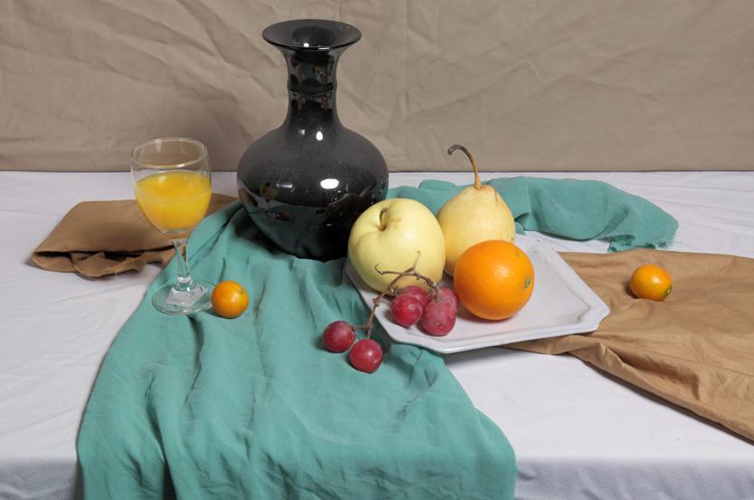小色稿步骤:以重色罐子和水果为主的绿色调静物